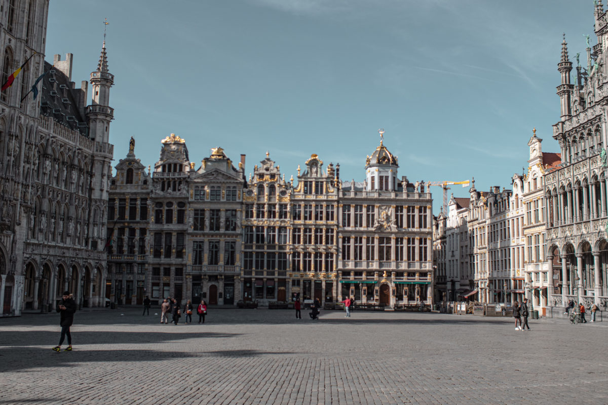 Photo de la Grand Place de Bruxelles, sous le soleil