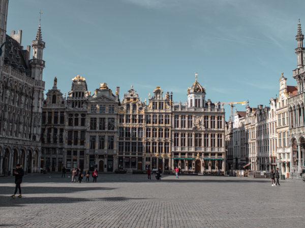 Photo de la Grand Place de Bruxelles, sous le soleil
