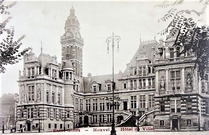 ancienne carte postale d ela maison communale de Saint-Gilles