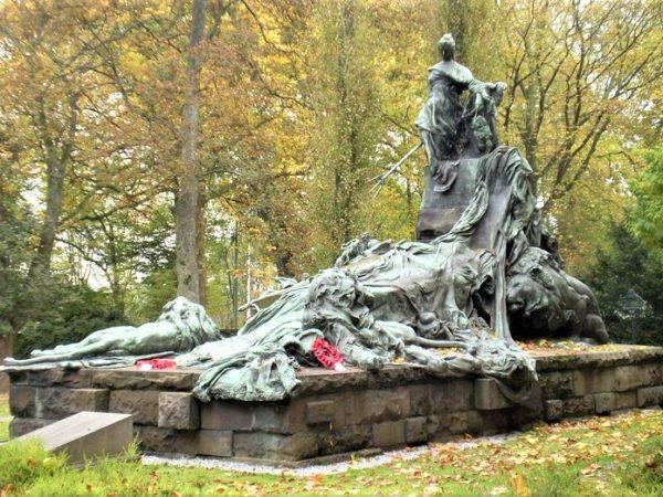 photo d'un mémorial situé dans le cimetière de Bruxelles