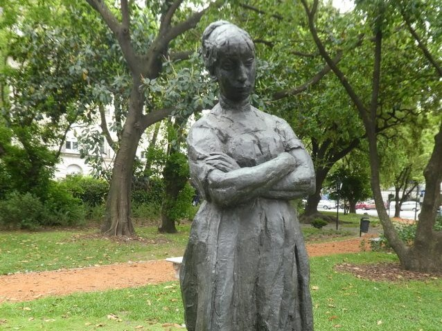 """photo de la statue """"les soucis domestiques """" de Rik Wouters"""